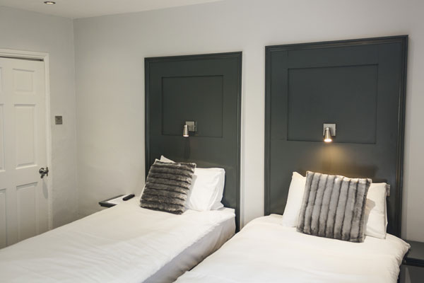 Churchill-Brighton-Accommodation-Deluxe-Twin.jpg